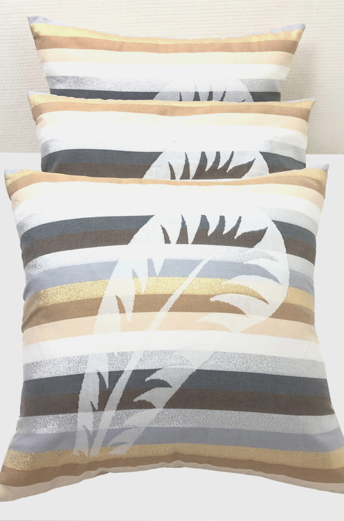 home textile cusinons beige with palm